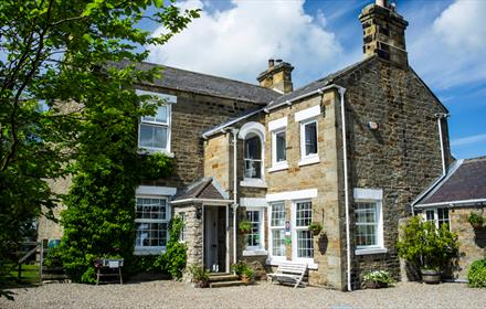 Dowfold House Bed and Breakfast, from the drive